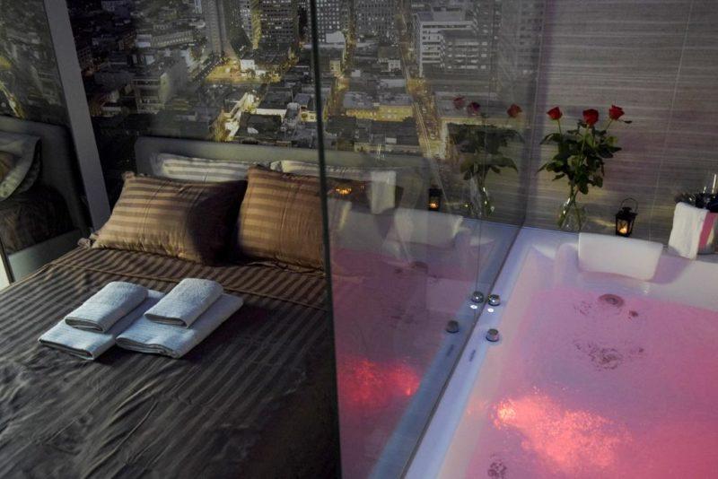 nephele suites θεσσαλλονίκη, δωμάτιο με τζακούζι